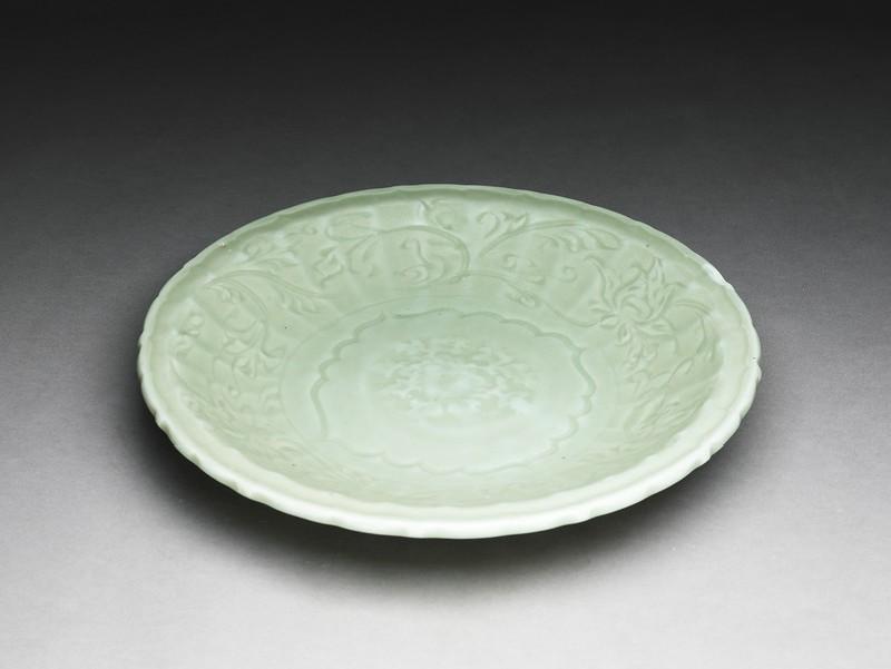 Dish (EA1995.45, oblique           )