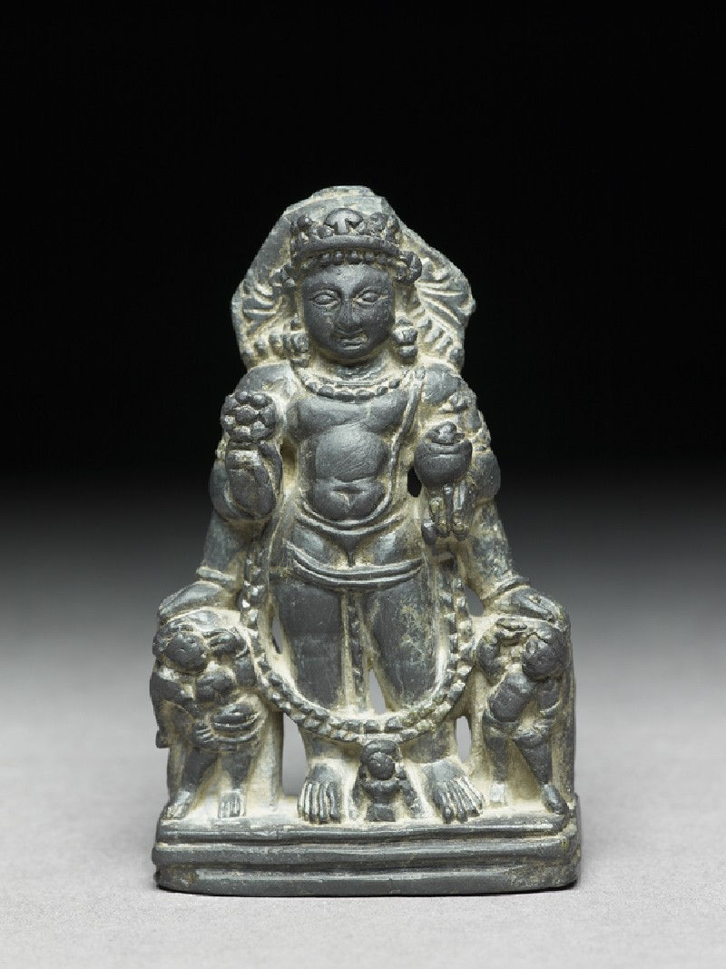 Figure of Vishnu with two attendant figures (front           )