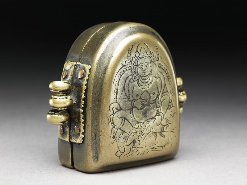 Amulet box with Jambhala, god of plenty