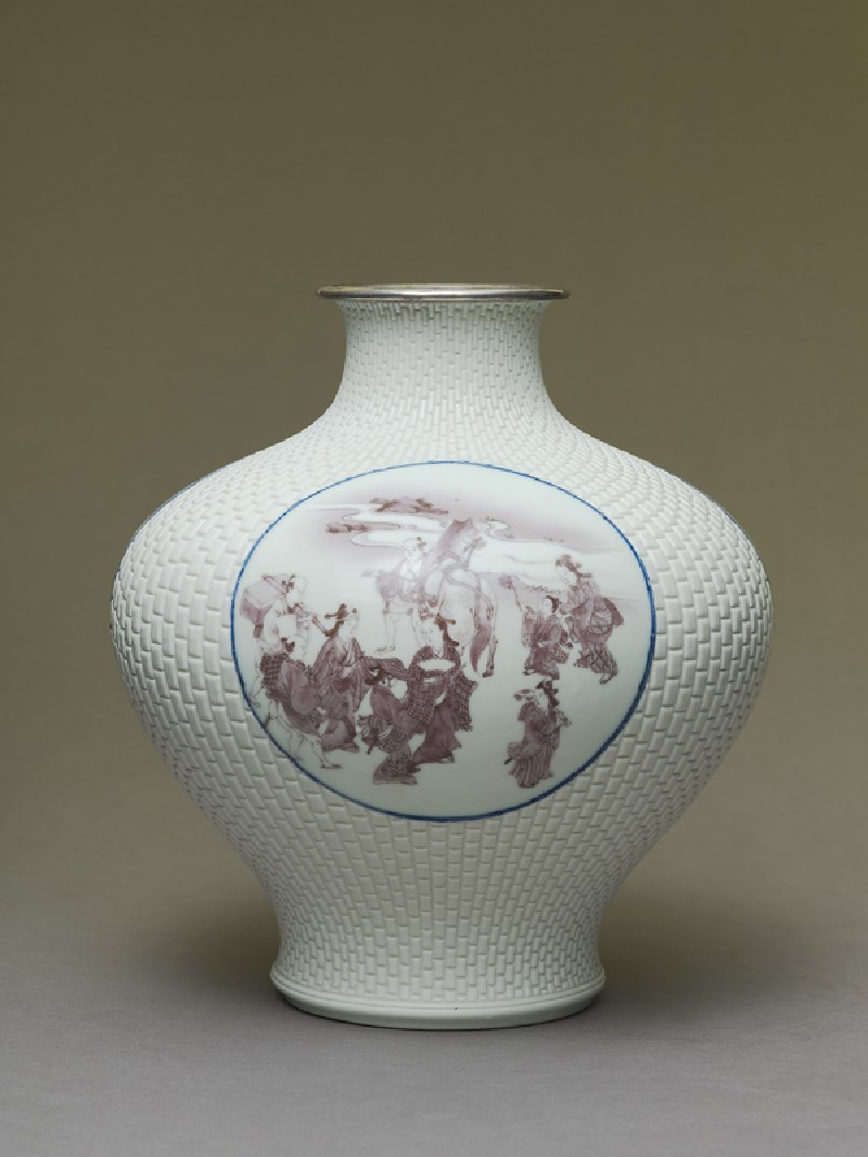 Baluster vase with cartouches depicting Mount Fuji, samurai, and chickens (side            )