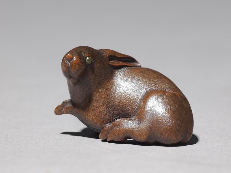 Netsuke in the form of a rabbit (EA1996.24, side           )
