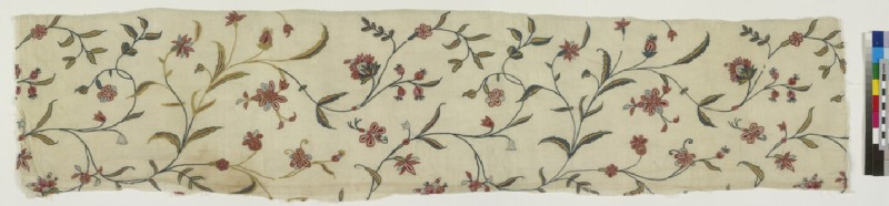 Embroidery fragment with flowering tendril design (EA1997.13)