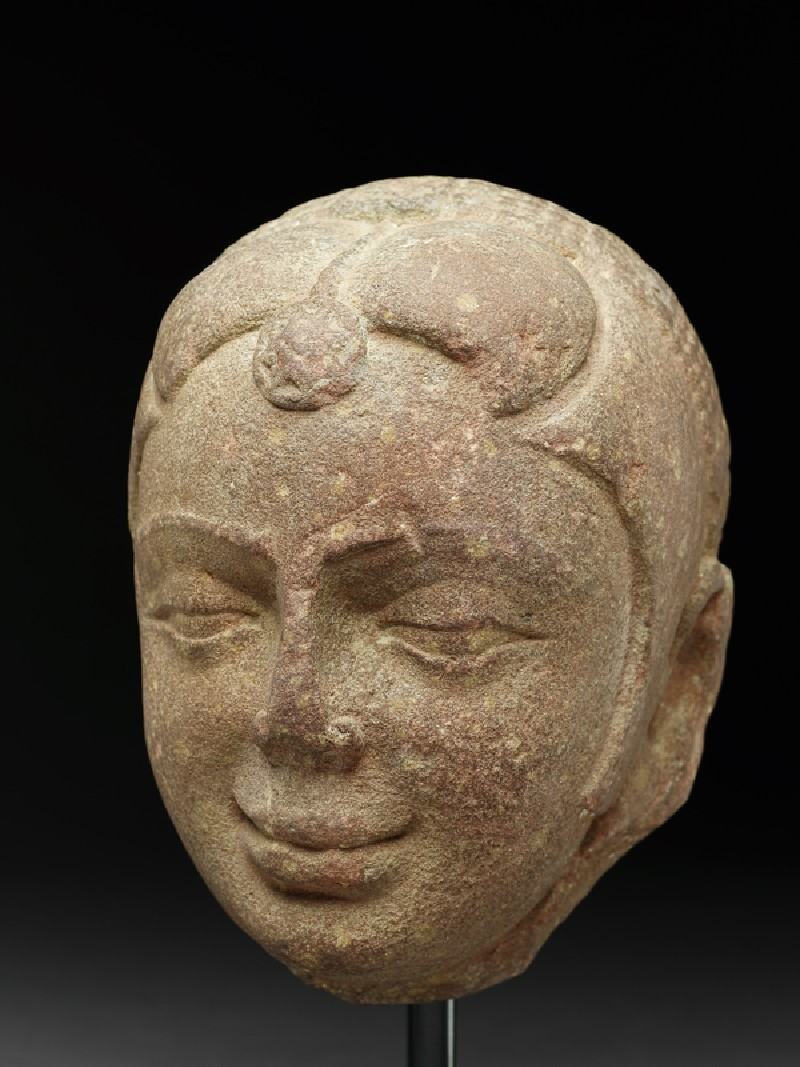 Head of a yakshi, or nature spirit (side           )