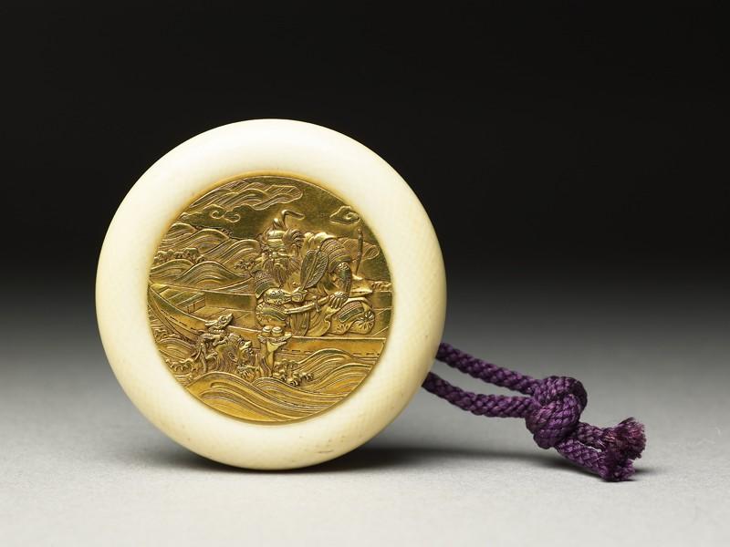 Kagamibuta-style netsuke depicting Takenouchi no Sukune receiving the precious jewel from Ryūjin, the Dragon King of the Sea