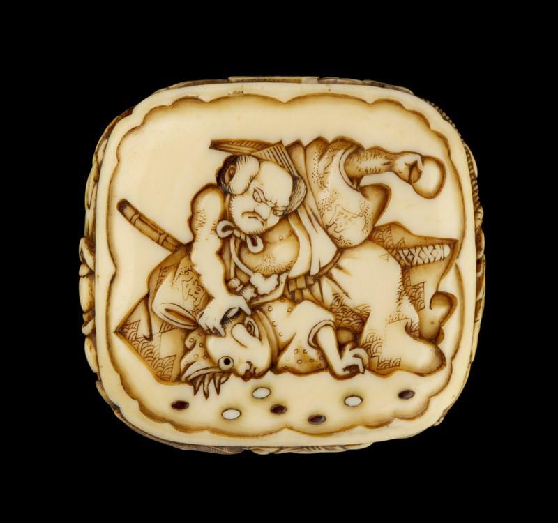 Ryūsa-type netsuke depicting a retainer of Minamoto no Yorimitsu slaying a goblin, with more demons on the reverse