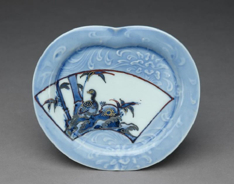 Dish (EA2001.174, top            )