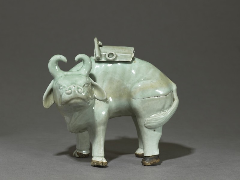 Figurine (EA2001.27, side           )