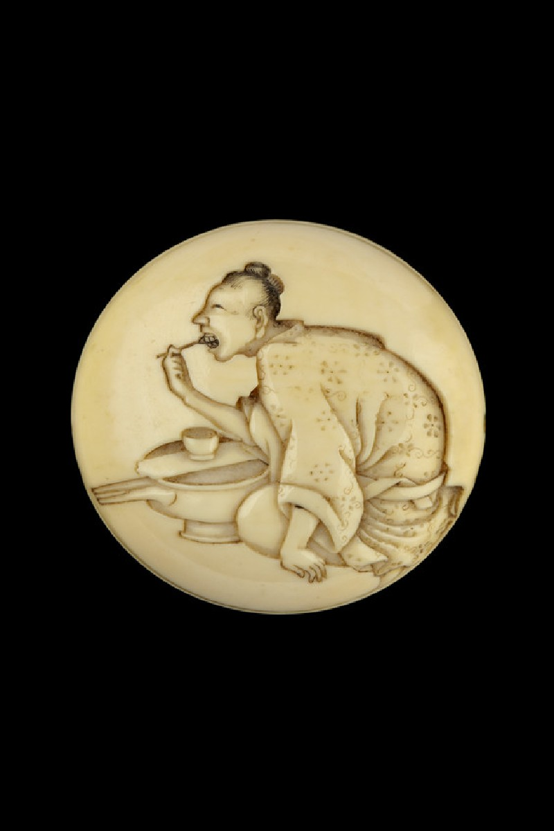Manjū netsuke depicting a woman blackening her teeth (EA2001.80)