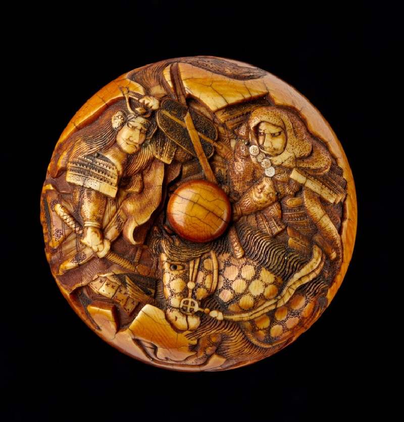 Manjū netsuke depicting Uesugi Kenshin and Takeda Shingen at the battle of Kawanakajima
