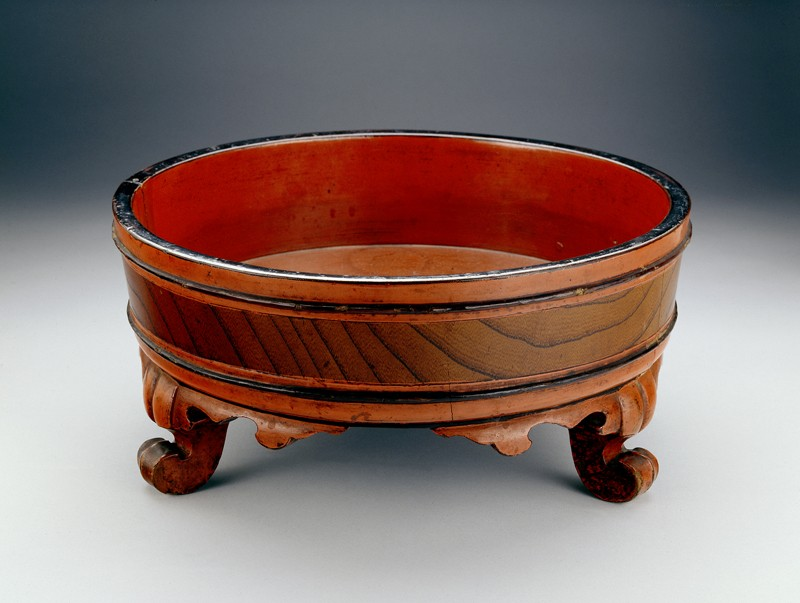 Basin used for a Buddhist hand-washing ceremony (EA2002.32, oblique           )