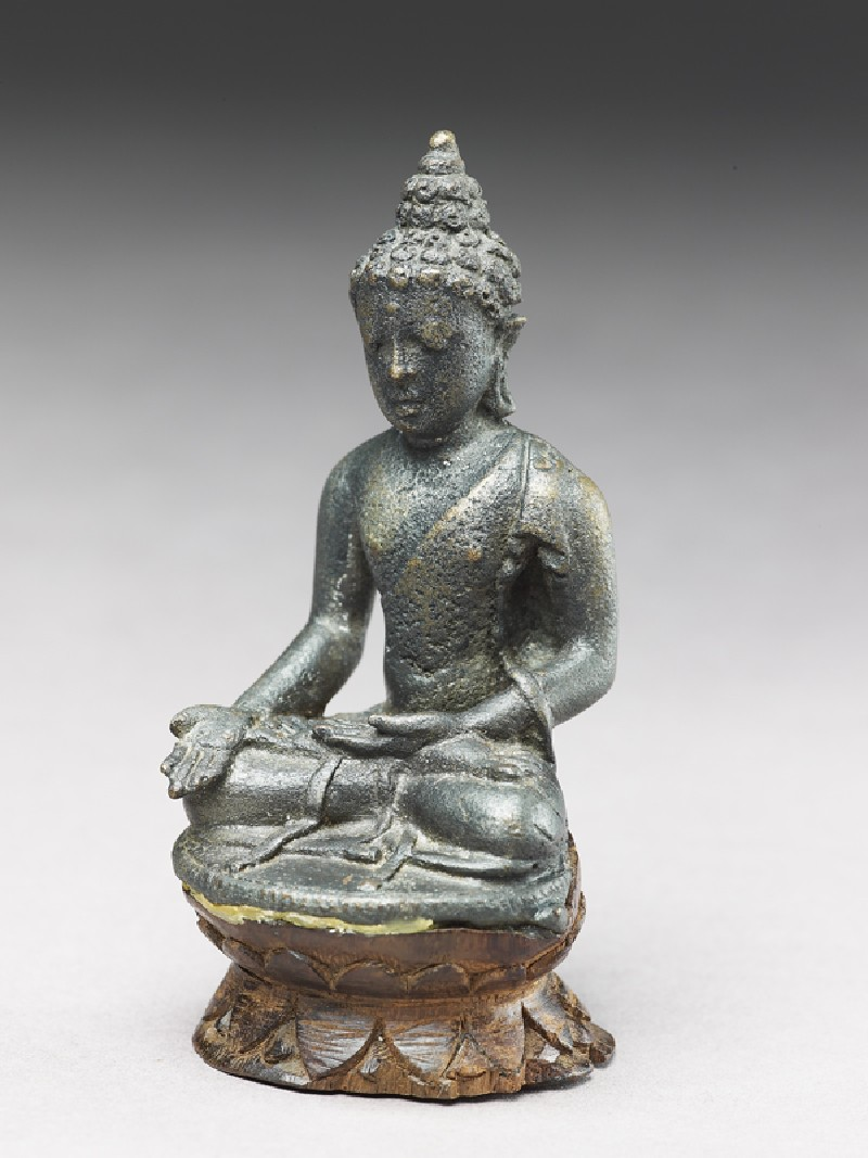 Seated figure of the Buddha (EA2002.46, oblique           )