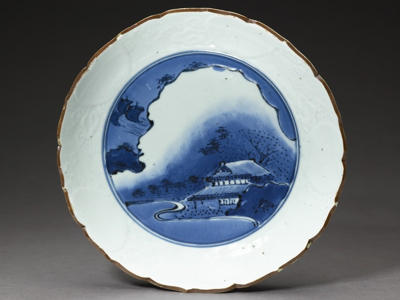 Dish with a night landscape (top           )