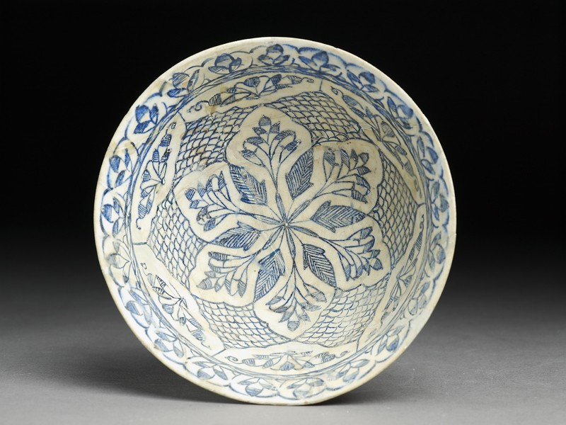 Bowl with vegetal decoration (EA2005.25, top           )