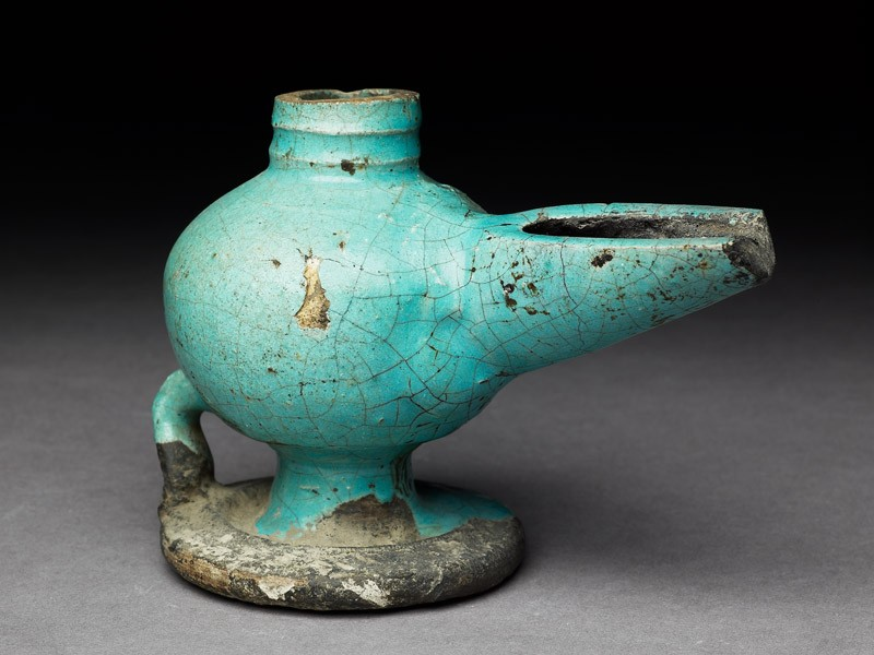 Oil lamp with turquoise glaze (oblique           )