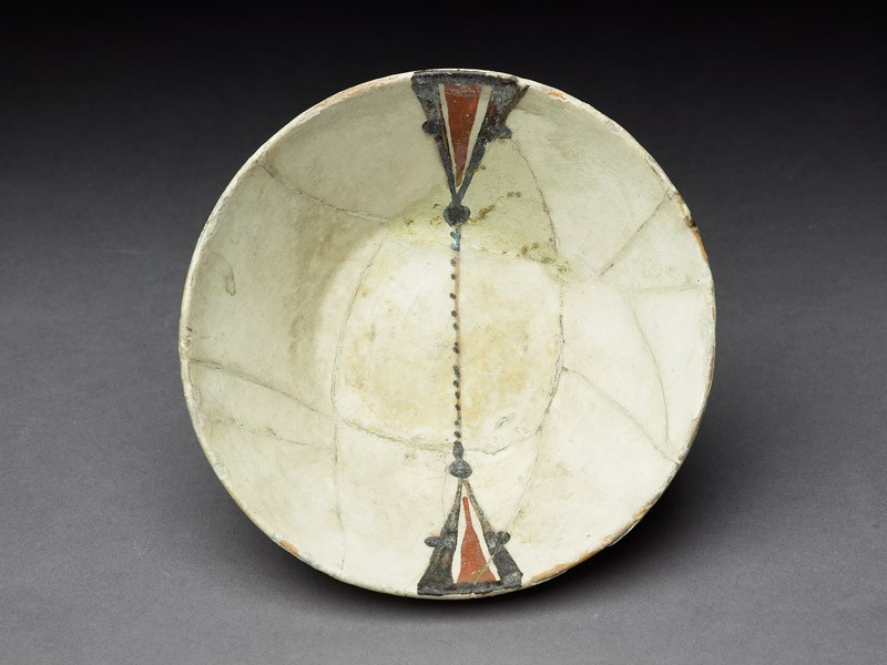 Bowl with painted decoration (top           )