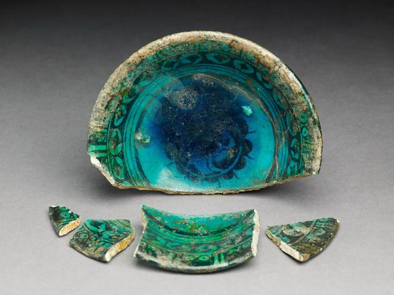 Five fragments from a bowl (EA2008.28, oblique           )