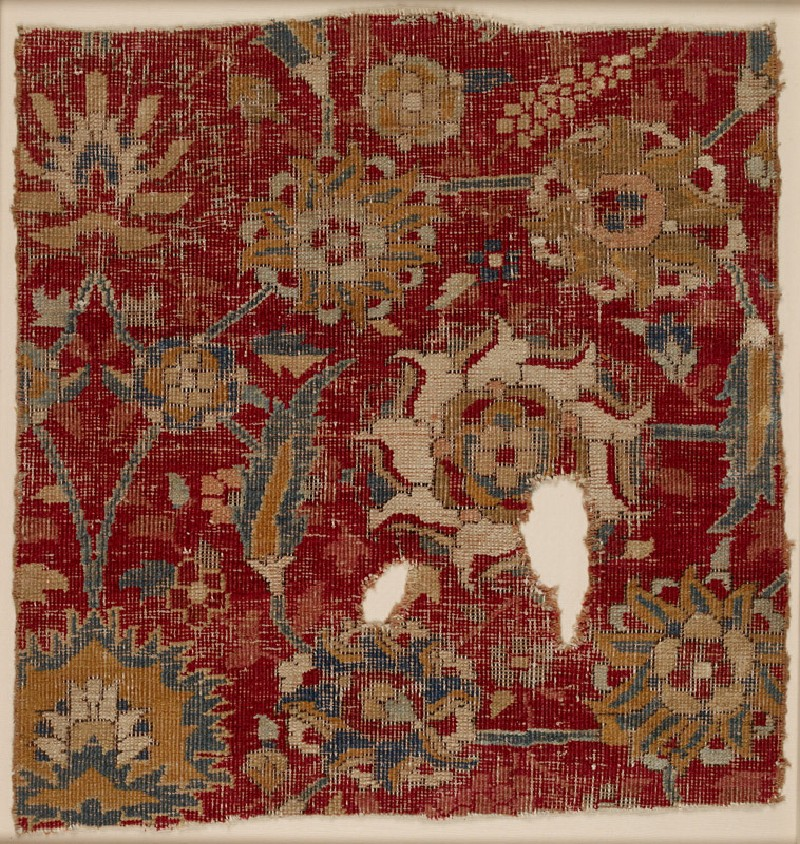 Mughal carpet fragment with scrolling vines and blossoms (EA2011.28, front           )