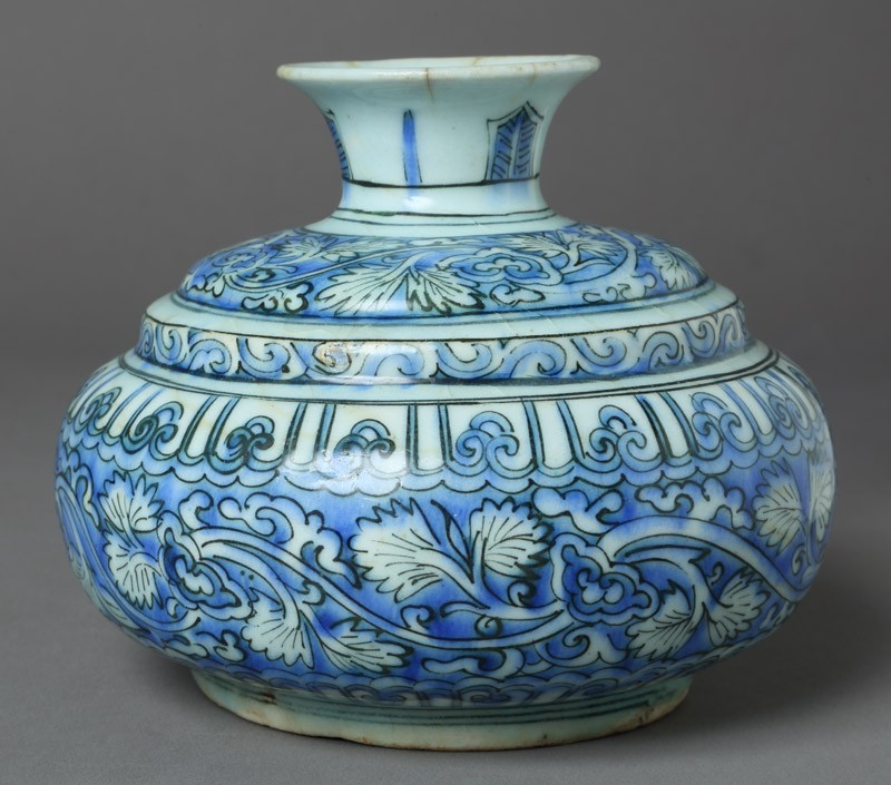 Hookah base with floral decoration (EA2012.125, front            )