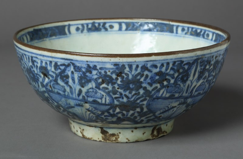 Bowl with floral decoration (EA2012.98, front           )