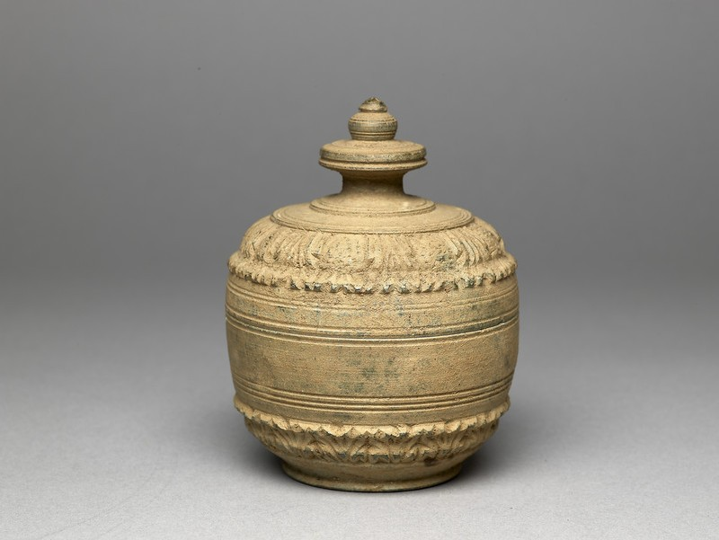 Lidded reliquary containing votive offerings (EA2013.112, oblique            )