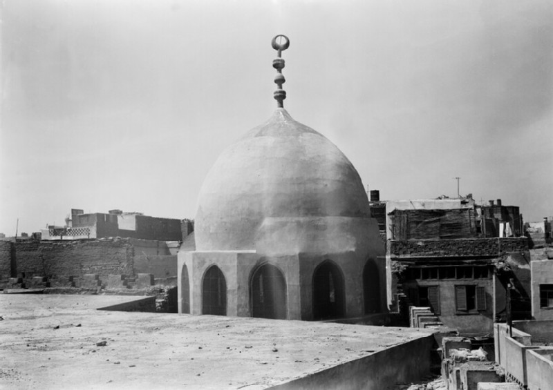 Mausoleum of Kucuk in Mosque of the Amir Aqsunqur