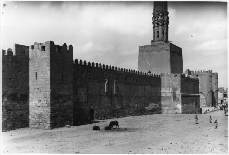 Mosque of al-Hakim and Bab al-Futuh