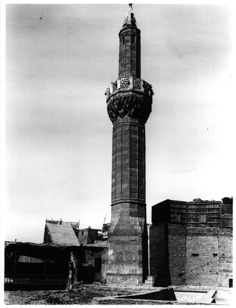 Mosque of al-Mar`a (Fatima Shaqra)
