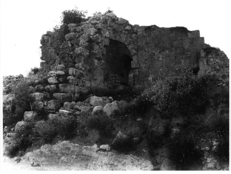 Qal`a al-Tur, and remains of Crusader church