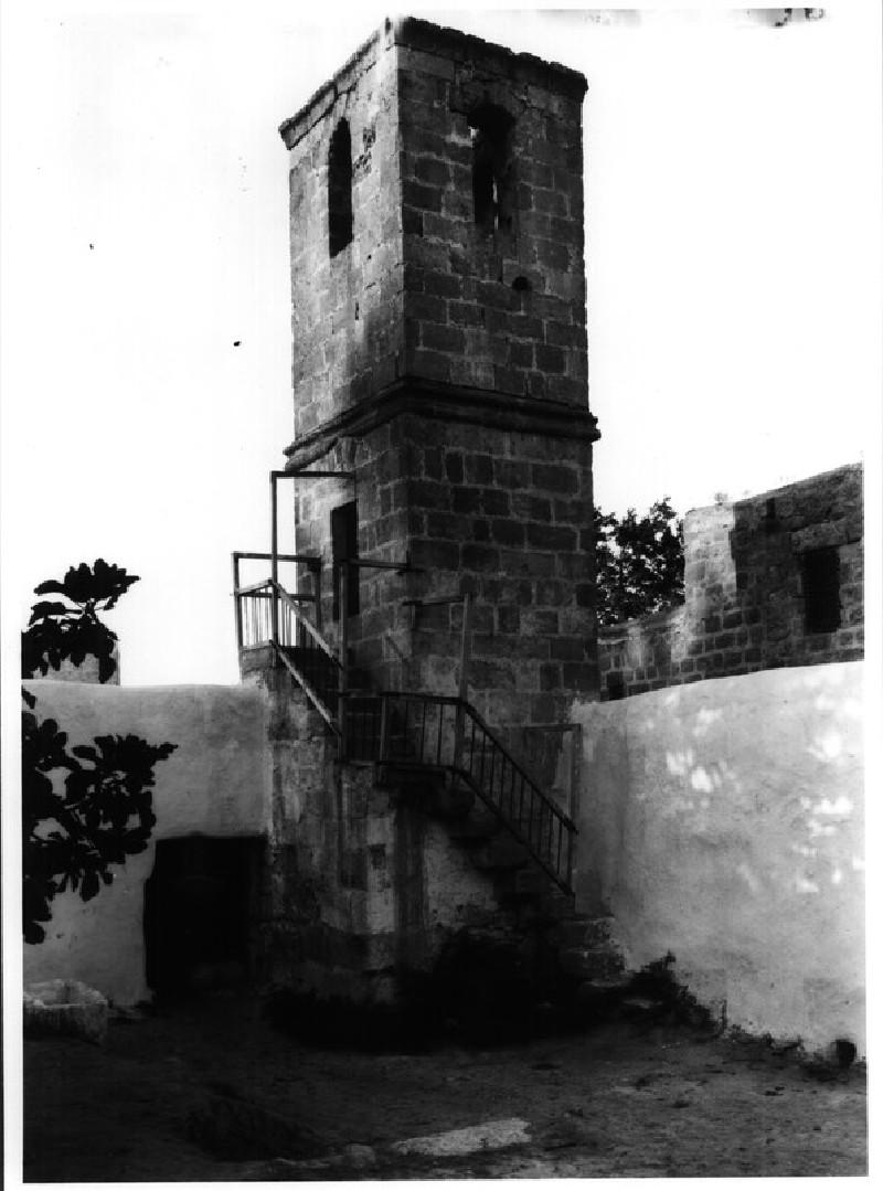 Mosque near Synagogue