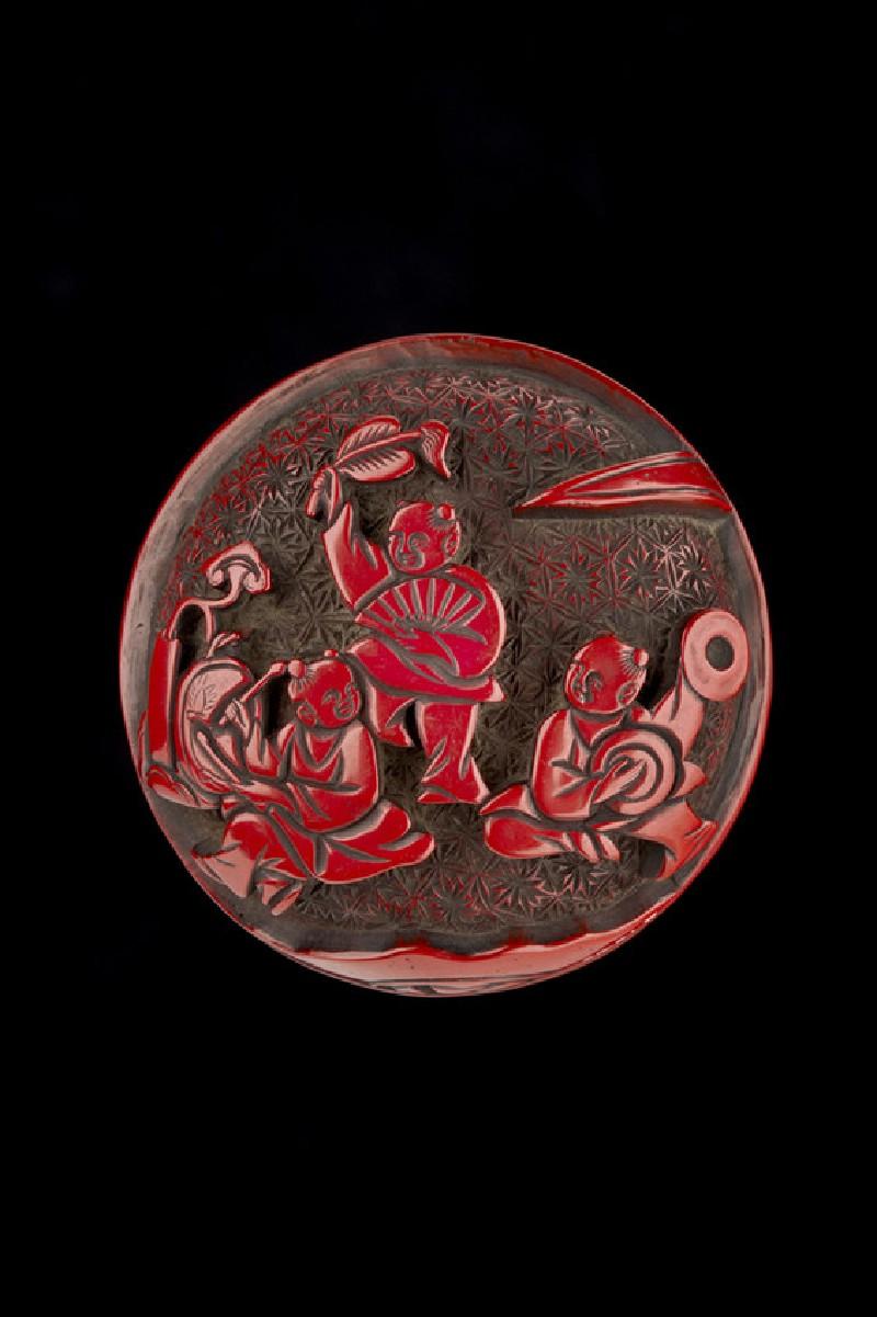 Manjū netsuke depicting five Chinese boys extending onto reverse (EAX.1340)
