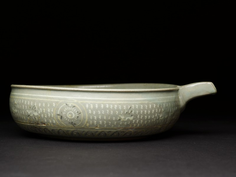 Bowl with flying birds and a seascape (EAX.1396, side          )