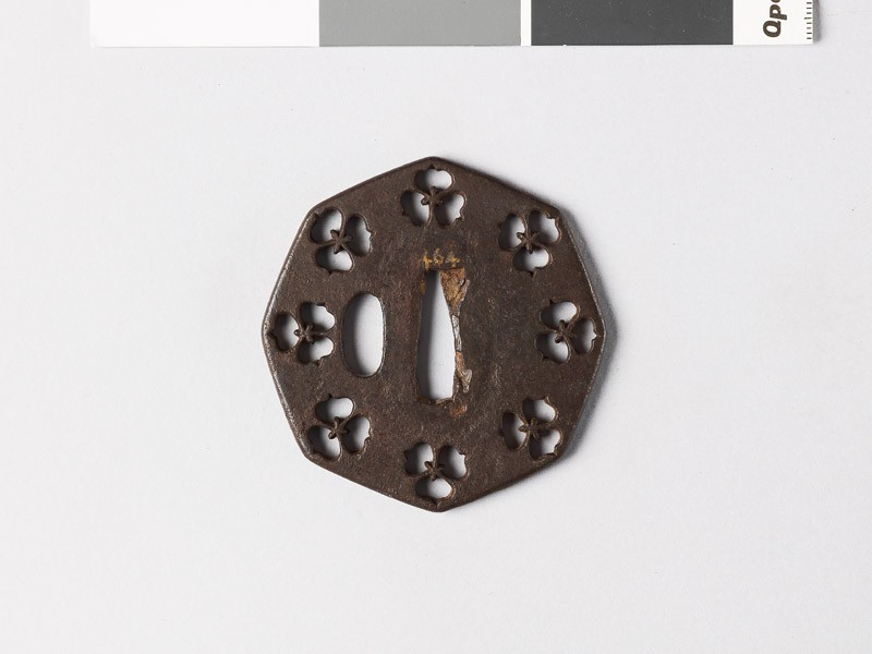 Octagonal tsuba with three-petalled flowers (EAX.10014, front           )