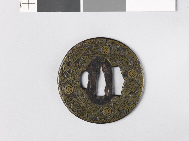 Round tsuba incrusted with brass wire (EAX.10174, front           )