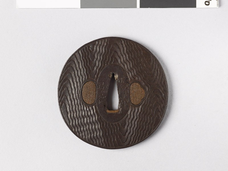Tsuba with wood grain decoration (EAX.10241, front           )