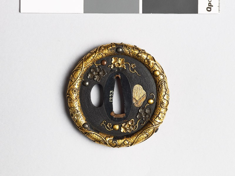 Tsuba with gourd vine and fruits (EAX.10294, front           )