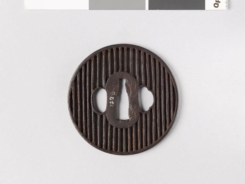 Round tsuba with bamboo (EAX.10613, front           )