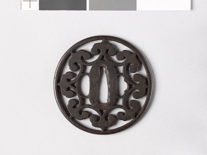 Round tsuba with floriated cusps (EAX.10662, front           )