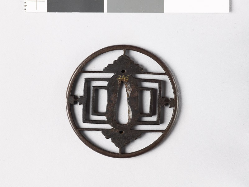 Round tsuba oblongs, half-flowers, and weights (front           )