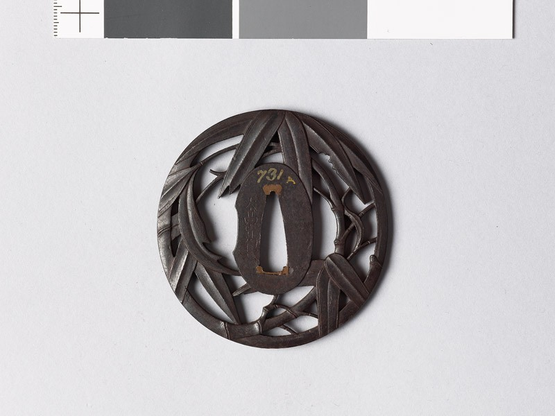 Tsuba with bamboo (front           )