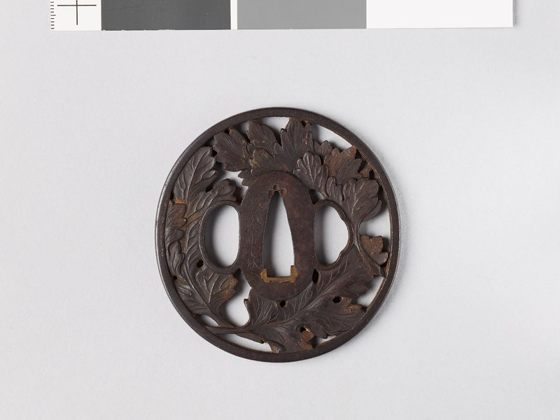 Tsuba with three chrysanthemum leaves (EAX.10741, front           )
