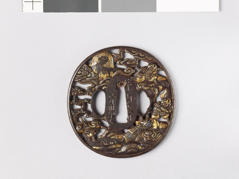 Tsuba depicting five warriors fighting during the Gempei wars (EAX.10790, front           )