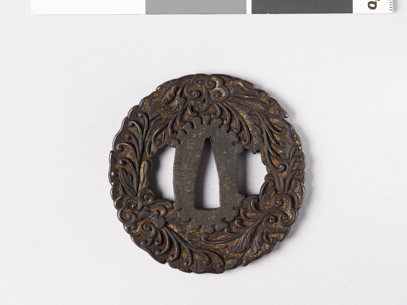 Tsuba with leaves and branching tendrils (front           )