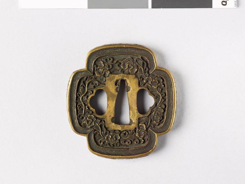 Mokkō-shaped tsuba with Precious Objects and peony stems (EAX.10830, front           )