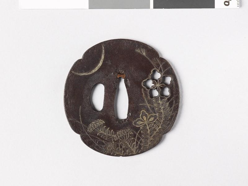 Mokkō-shaped tsuba with heraldic flower and crescent moon