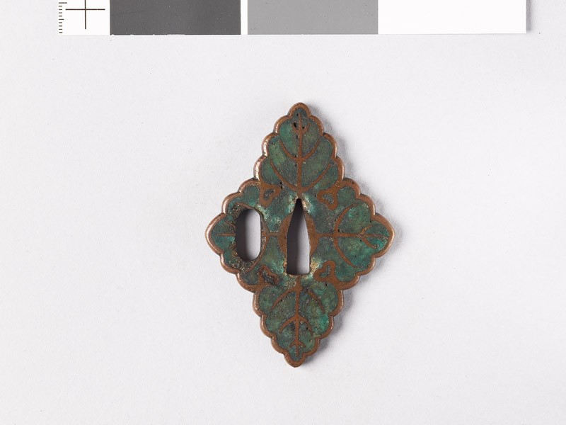 Tsuba in the form of four leaves (front           )