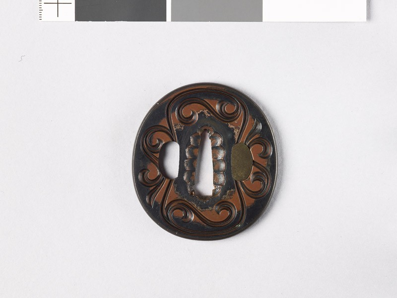 Tsuba with wood grain decoration (EAX.11191, front           )
