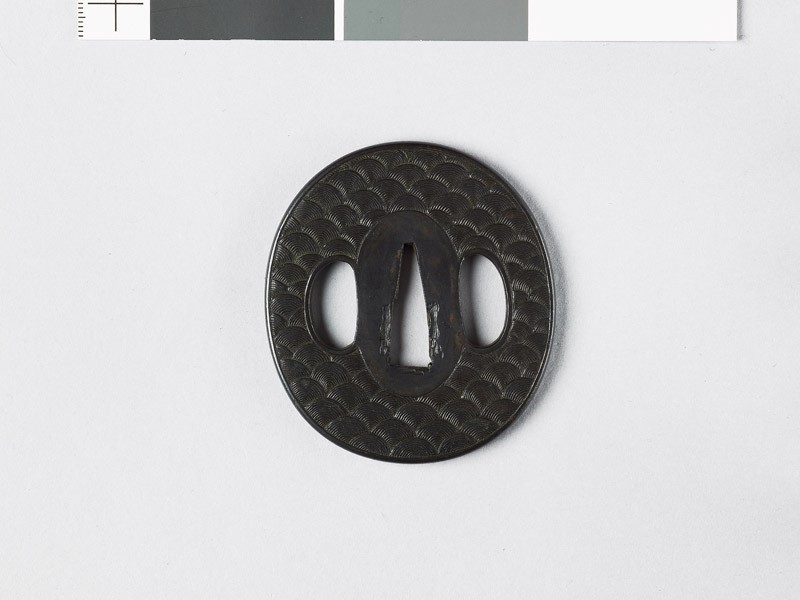 Tsuba with waves