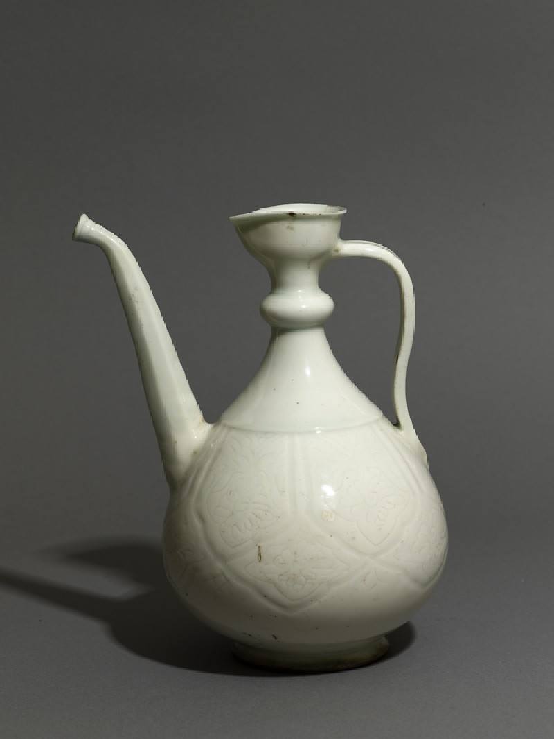 Ewer with incised floral decoration (EAX.3035, oblique          )
