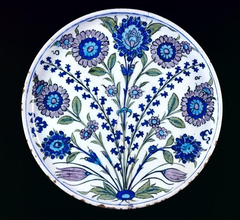 Dish with flower sprays (top          )