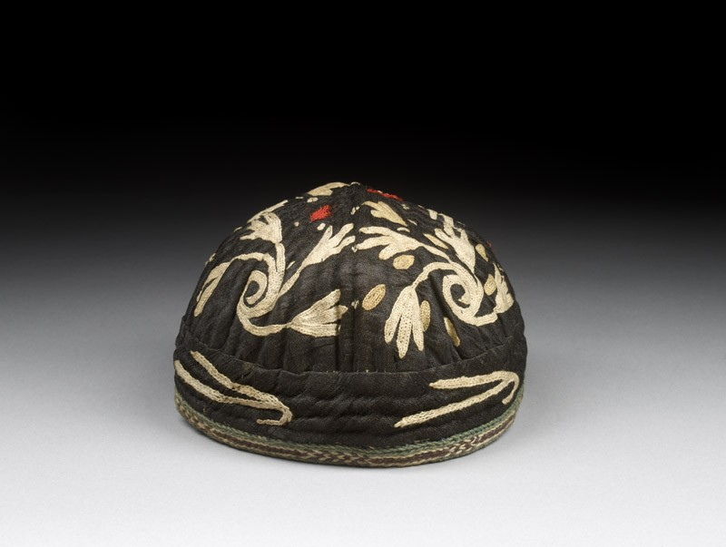 Cap with tendrils and leaves (EAX.7405, oblique          )